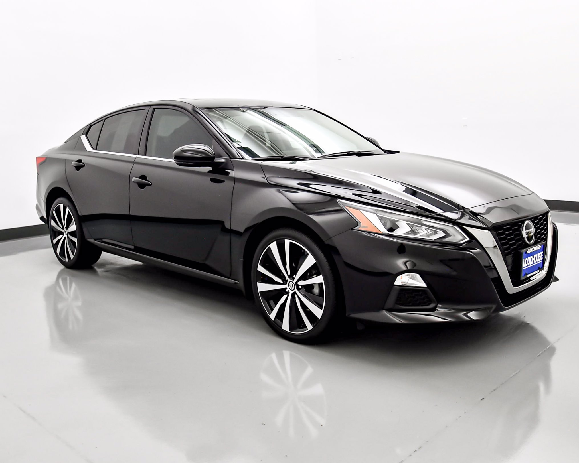 Pre Owned 2019 Nissan Altima 2 5 SR 4dr Car In Omaha